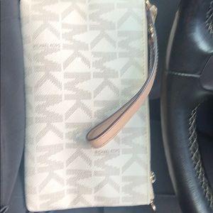 Michael Kors Bags - Mk clutch